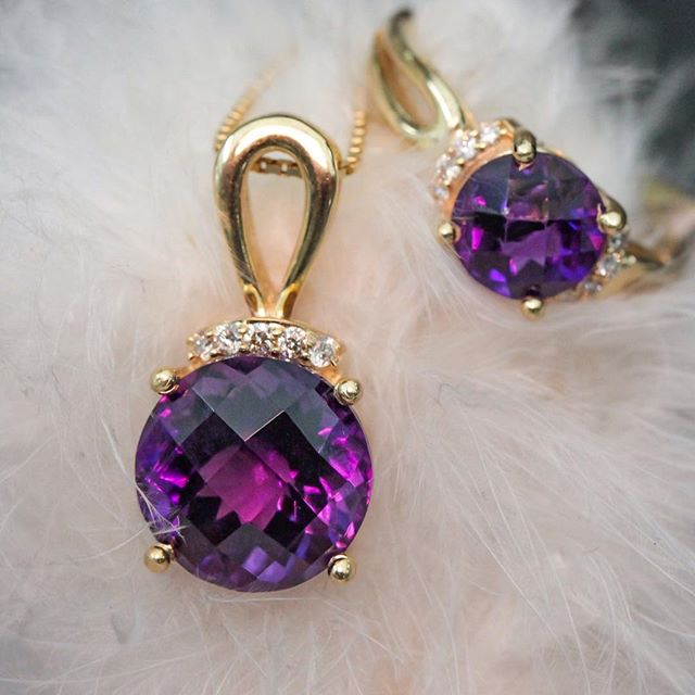 amethyst pendants with round shape gemstones